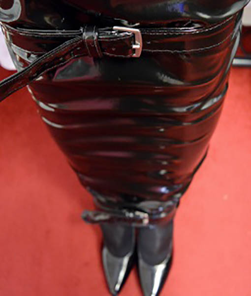 Black gothic pvc extreme hobble skirt